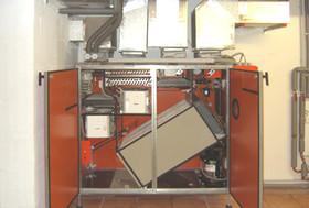 geöffnetes Klimagerät im Technikraum